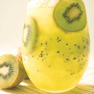 kiwi caipirinha 300x300 Kiwi Juice