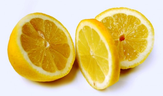 lemons 530x313 7 Health Benefits of Lemon Juice