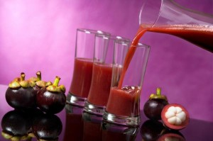 mangosteen juice 300x199 mangosteen juice
